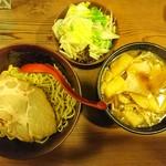 イツワ製麺所食堂 - 2016年12月 キノコつけ麺 890円