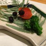 61332844 - 黒豆 カラスミ 菜の花