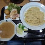 ヌードル ラボ スタイル ティー - 濃厚特製つけ麺