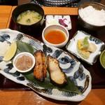 61335934 - 【金目鯛・銀鱈の金銀焼き魚定食…1,480円】♫2016/12