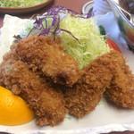 福よし - 旬のジャンボカキフライ
