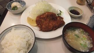 たつみ亭 - 豚カツ定食
