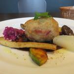 カラフー - 料理写真:豚ヒレとデーツを使用した料理