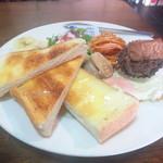 カフェラランティ - 料理写真:モーニングの食べ物