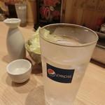 八五郎 - チェイサーのお水は、おおきなグラス(^^)