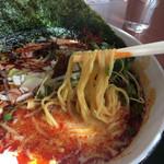 群鳳 - 麺はふつう、中細の少しちぢれ