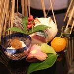 祇園 淺田屋 - 八寸 白子チリ酢 鯖寿司 なまこ酢 金柑甘煮 鴨ロースなど