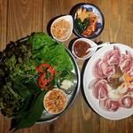 韓国家庭料理 ととり - サムギョプサルセット¥1,200