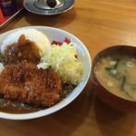 楽喜亭 - カレーライス チキンかつ(700円)