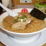 完熟ラーメン 本丸 - 料理写真:黒丸 こってり豚骨醤油味 650円
