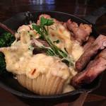 肉×ラクレットチーズ ツリーハウスダイナー - ラクレットチーズ グリルプレート(ハッセルバックポテト&肉コンボ) cheese on !