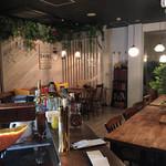 肉×ラクレットチーズ ツリーハウスダイナー - 店内