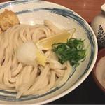 61367284 - 鶏モモ天ぷらぶっかけの大盛り780円