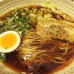 金菜亭 - ワサビ風味のスープ?!に惹かれて、『黒わさ』というラーメンにしました。