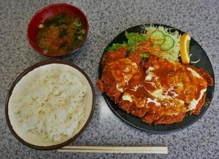 ハイライト - ジャンボチーズチキンカツ定食(770円)