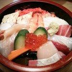 金寿司 - ちらし(牡丹)
