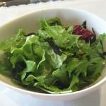 ビストロフルール - 料理写真:カリカリじゃこのサラダ