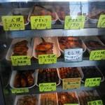 竹松鶏肉店 - いろいろある