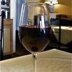 デ・ボン・クール - グラスワイン 赤 ¥600