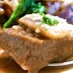 デ・ボン・クール - 牛肉は柔らかく