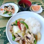 7.ガイ・ラー・カオ(鶏肉と野菜炒めかけご飯)