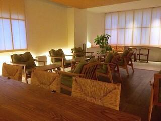 喫茶葦島 - テーブル席