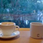 61384726 - ホットチョコレートとドリップコーヒー