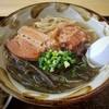 新垣そば - 料理写真:沖縄そば(大)