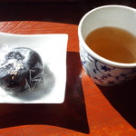 蕎壽庵 - サービスの饅頭