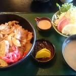 お食事処 きん太 - 焼肉丼 864円