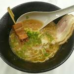 柊 - 法皇豚骨醤油ラーメンNEXT泉州名物炙りチャーシュー串のせ850円