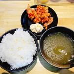 まぜそば 池めん - 白飯&キムチ&牛ダシスープ