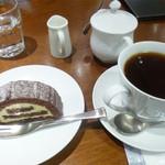 61408694 - 珈琲とケーキ