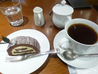 丸山珈琲 MIDORI長野店 - 珈琲とケーキ