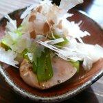 土山人 - 小鉢(地鶏ささみと秋野菜の梅肉和え)