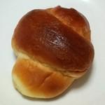 イソップベーカリー - 塩パン(108円)