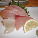 きがる家 - 刺身 鯛 ヨコワマグロ ブリ