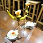 ガストロテカ ビメンディ - ヒルダ、オリーブ、ホタテ  カニカマのサラダ
