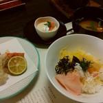 月日亭 - 揚げ物、御飯、味噌汁、デザート