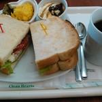 茶るら - ローストビーフサンド+ホットコーヒー