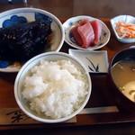 羅甸 - 「銀だらの煮付けとお刺身」1,450円也。