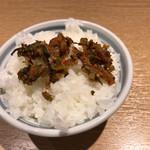 61429030 - 無料のご飯に辛子高菜トッピング。最後にスープを辛子高菜ご飯にかけて満腹完食!
