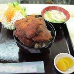 めし処円 - ソースカツ丼セット(味噌汁、ミニサラダ付:700円)