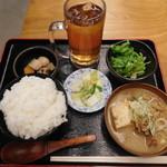 串かつ 煮込み 炙り どかん - 煮込み定食の大盛¥500-