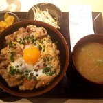 焼き鳥ゑびす - 桜卵の親子丼