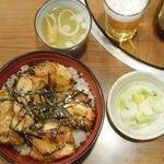 とゝや - サービス丼(※スープ、お新香付き)