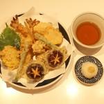 谷や - 天ぷら盛合せ