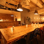 ティンバーズ カフェ ツキジ テーブル - 10人仕様の大テーブル♪