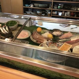 旬の食材鮮度を大切に、玄海周防の味覚をお楽しみください!