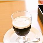 61453548 - コーヒーゼリー 350円 ゼリーの苦みと風味、クリームの甘味のハーモニーがたまりません♪